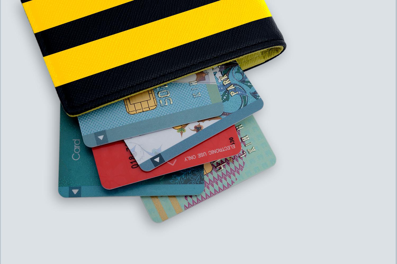 «Билайн» предложит клиентам застраховать все банковские карты в своем кошельке 1
