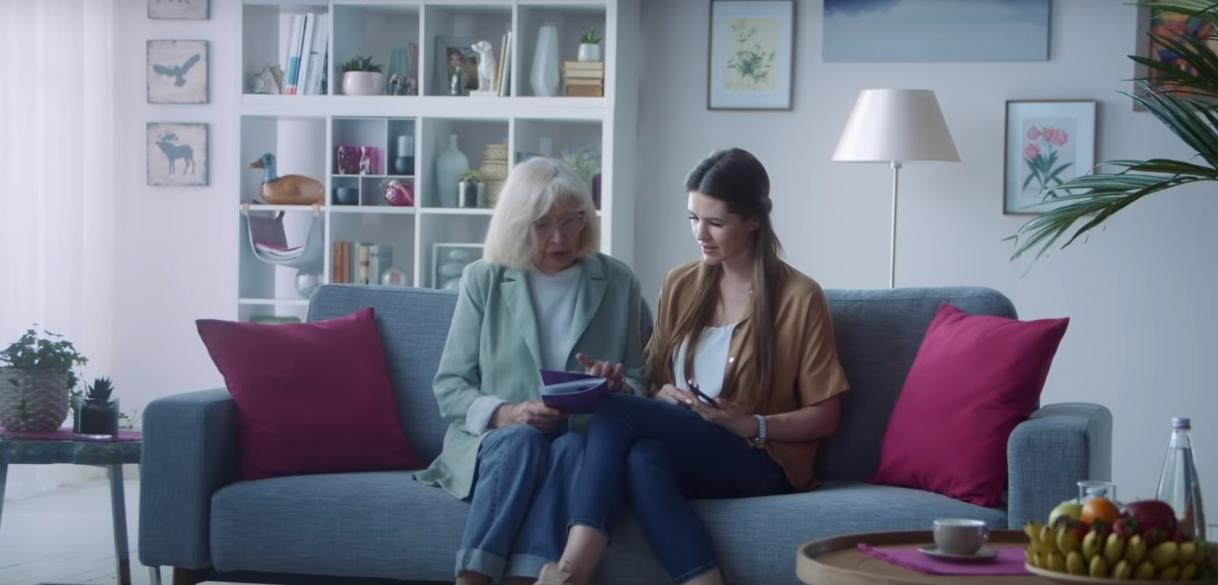 Tele2 предлагает перевести бабушек и дедушек в интернет 1