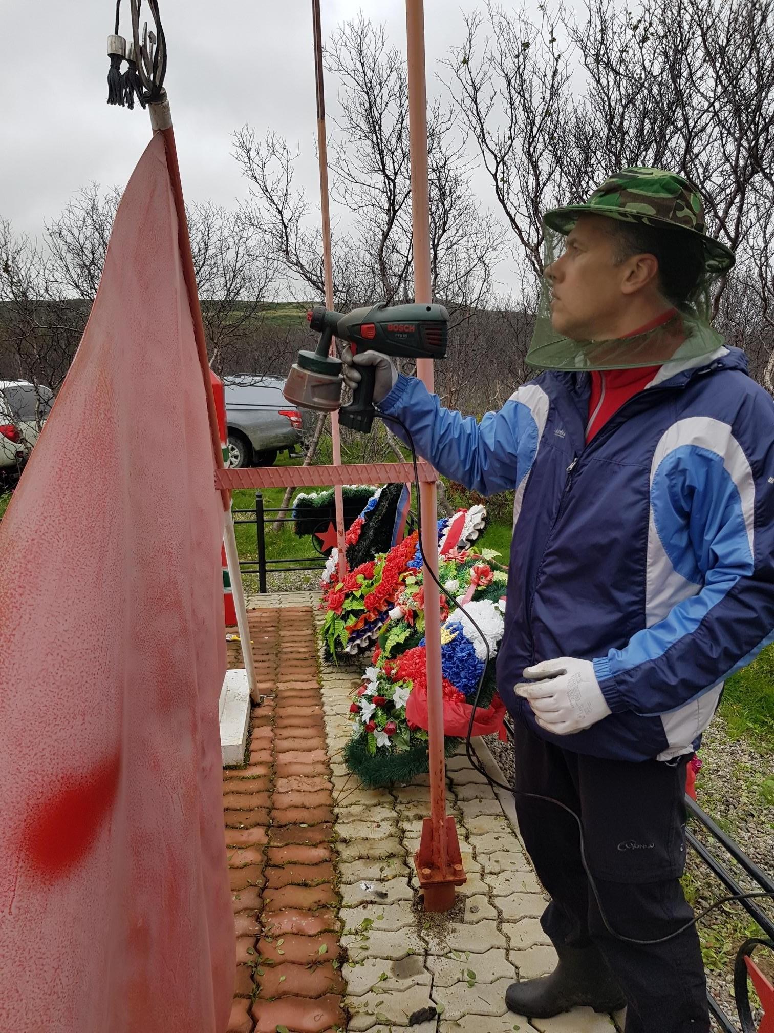 Волонтеры МТС отремонтировали мемориальный комплекс героическим защитникам Советского Заполярья 3