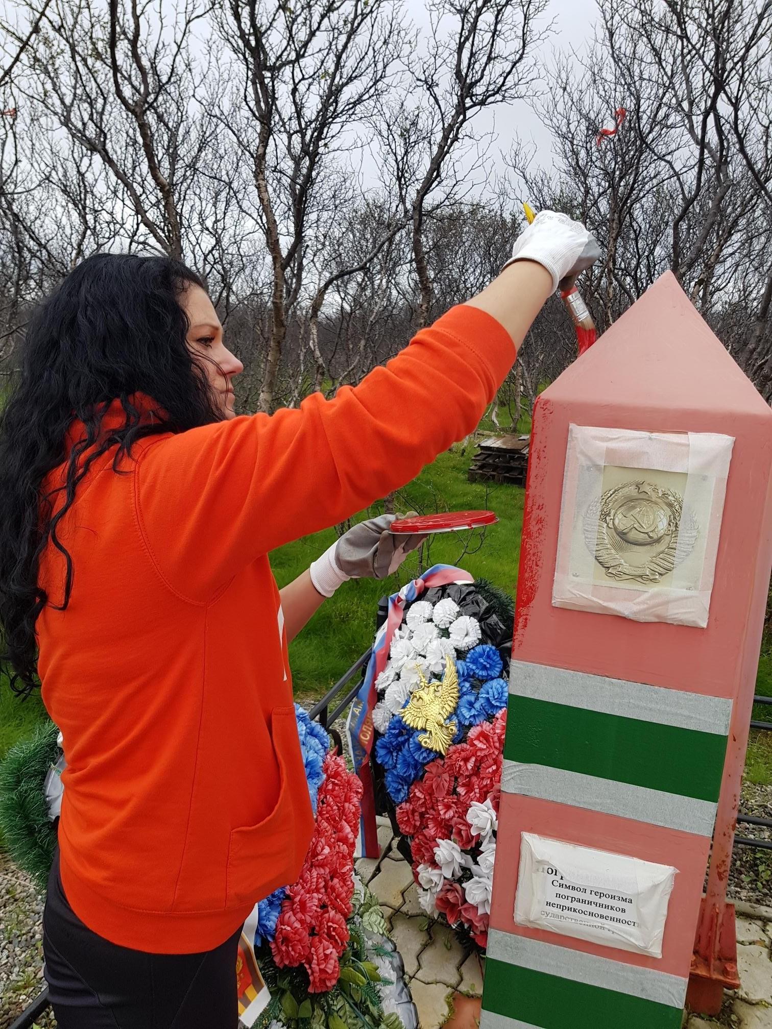 Волонтеры МТС отремонтировали мемориальный комплекс героическим защитникам Советского Заполярья 4