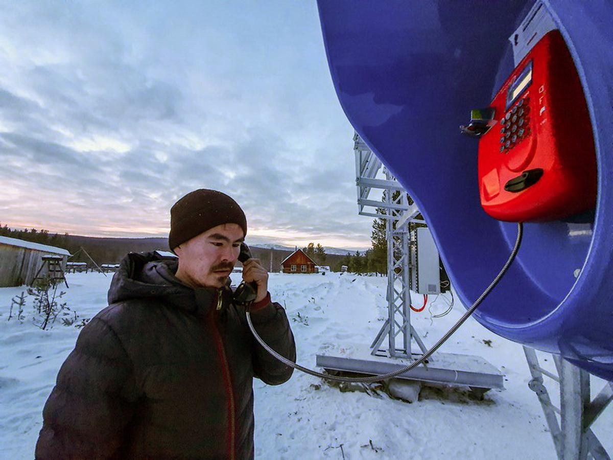 Россияне продолжают богатеть и все чаще звонить по таксофонам 1
